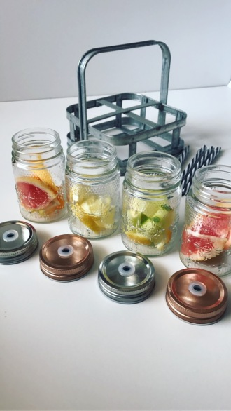 Boissons-aromatisées-detox-water-ampaza_in_the_kitchen