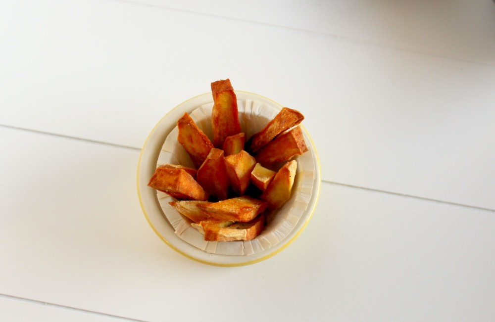 frites-de-patates-douces-ampaza-in-the-kitchen