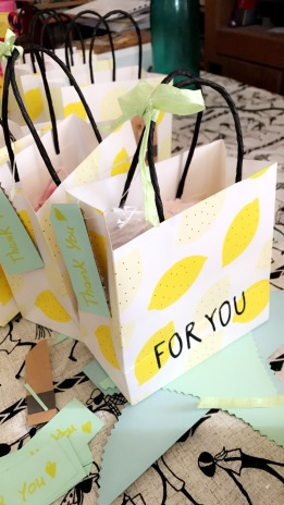 Gift-bag_babyshower_ampaza-in-the-kitchen