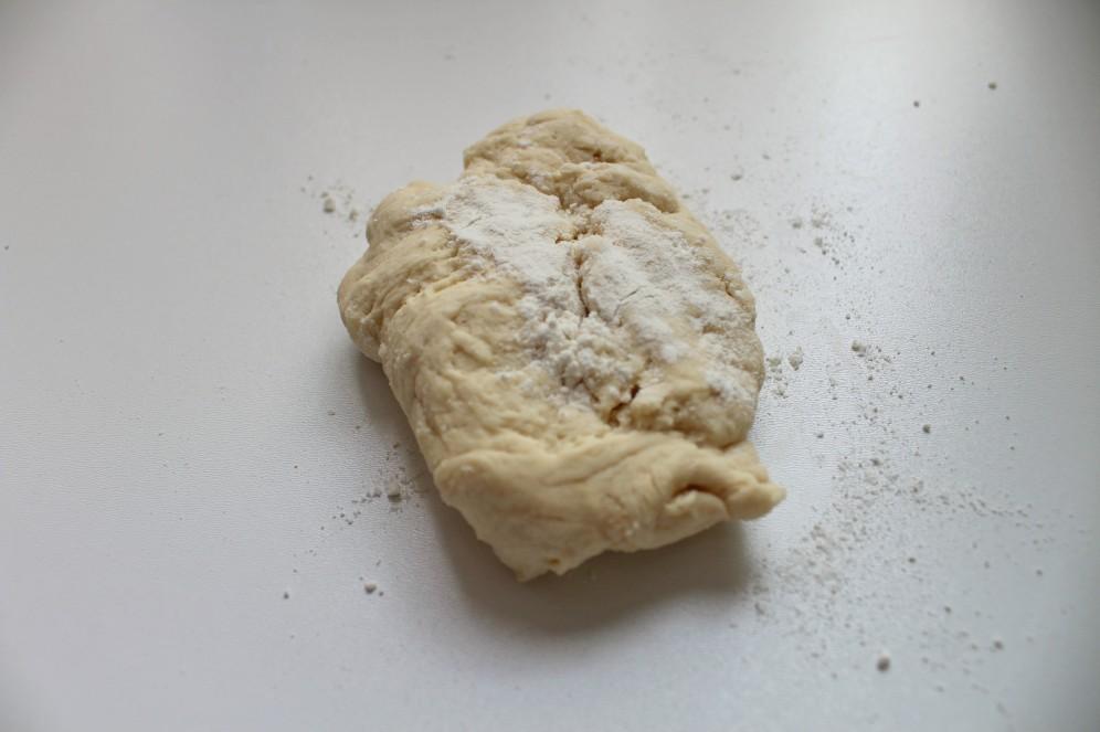 pate-à-pizza-ampaza-in-the-kitchen