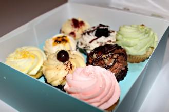 Lolas-cupcakes-2-ampaza-in-the-kitchen