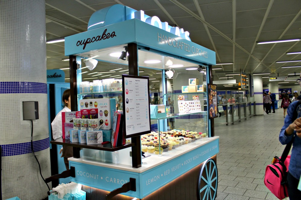 Lolas-cupcakes-5-ampaza-in-the-kitchen