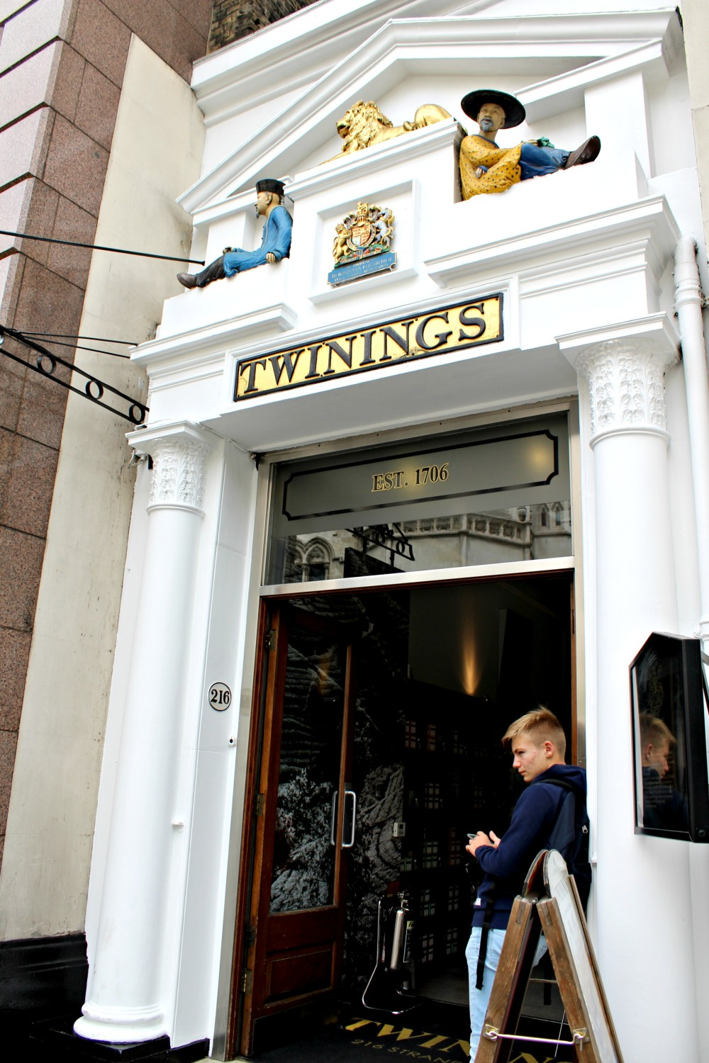 twinings-museum-1-ampaza-in-the-kitchen