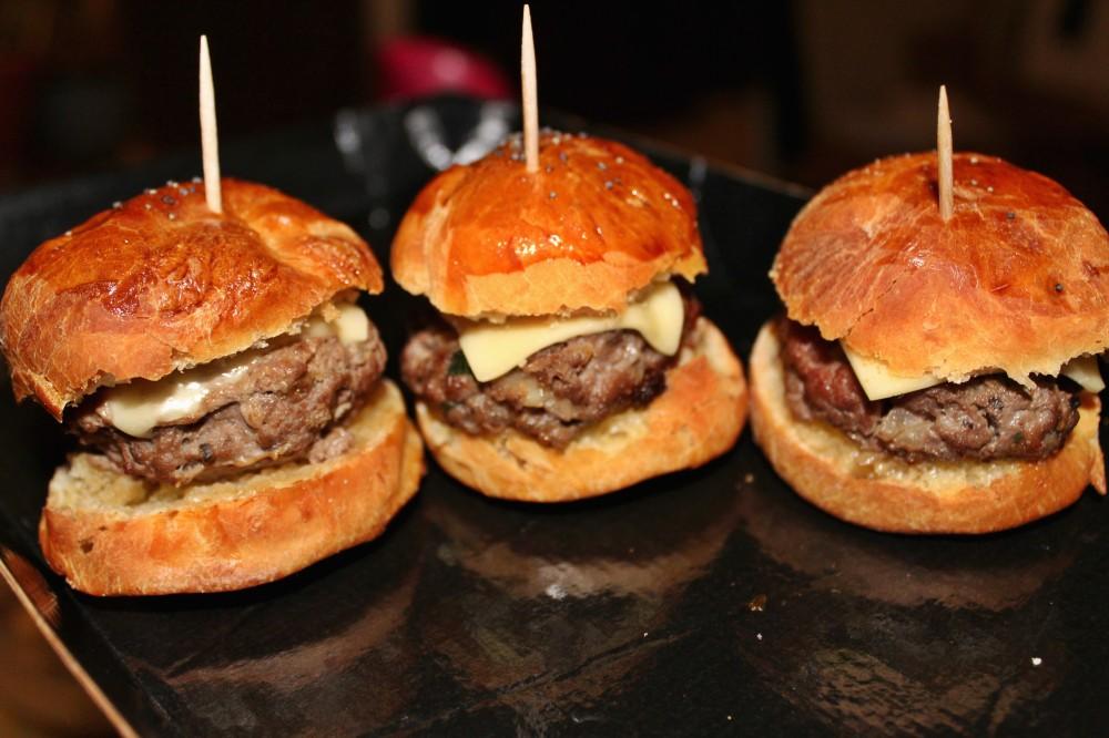 mini-burgers-ampaza-in-the-kitchen